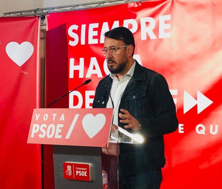 """RAFAEL LEMUS: """"EL PSOE ES EL ÚNICO PARTIDO QUE PUEDE GARANTIZAR LA SEGURIDAD Y EL FUTURO EN EXTREMADURA"""""""