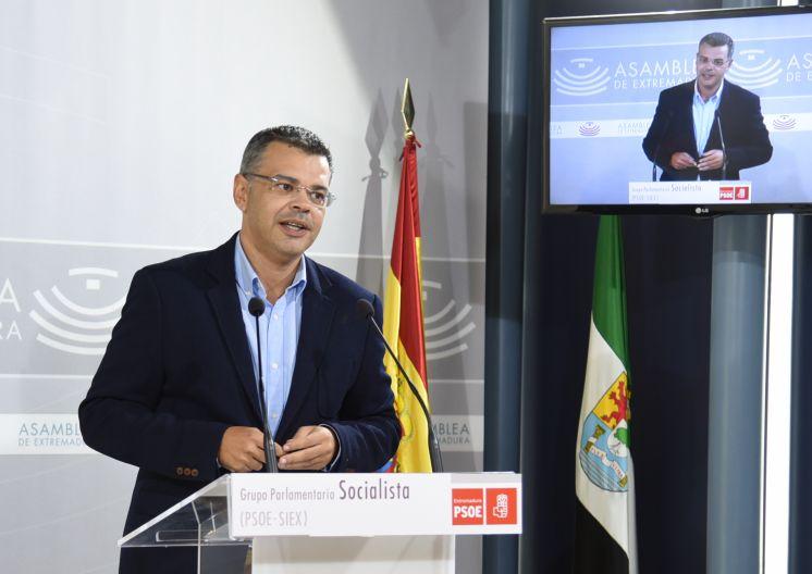 Desde que gobierna Guillermo Fernández Vara, hay 20.000 desempleados menos en Extremadura
