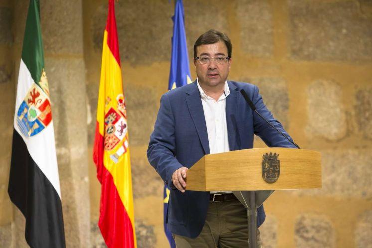"""Vara afirma que en Extremadura no se puede romper ningún pacto con Podemos """"porque no lo hay""""."""