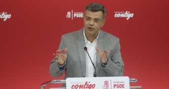 """""""El Partido Popular se olvida de los extremeños para seguir tocándole las palmas a Rajoy"""""""