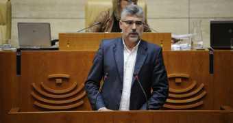 Monago está tardando en cesar a al diputado Morales Álvarez por fascista.