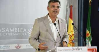 Tras dos años de gobierno de Fernández Vara en Extremadura, hay 15.000 desempleados menos
